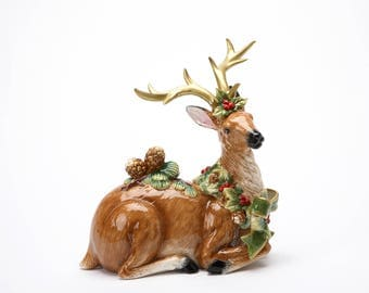 Reindeer with Pine Cone (10306)