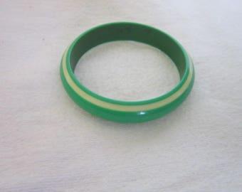 Funky 60's Two Tone Plastic Bangle Bracelet