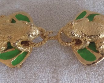 """Rare Vintage MIMI Di N Signed 1972 Gold-tone KISSING FROGS Enameled Lily Pad 4 1/2""""  Metal Belt Buckle Designer Couture"""