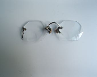 Vintage pince-nez glasses for parts are repair