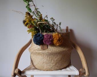 Basket medium pom poms
