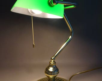 Notary light with pull cord