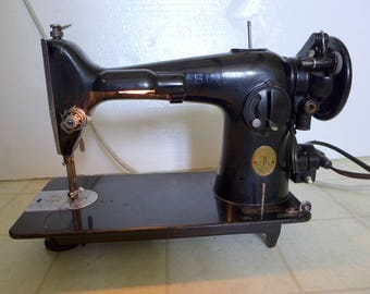 Vintage Singer 201-2 Sewing Machine Heavy Duty Industrial Strength WORKS