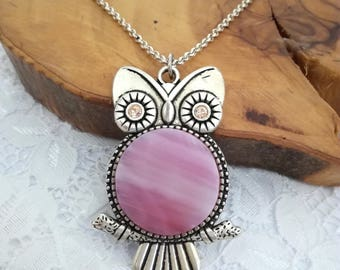 Pink owl, Owl necklace, Owl pendant, Owl jewelry, Owl gift, Pink jewelry, Pink pendant, Shades of pink, Fused glass, Fused glass jewelry