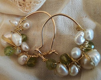 Goldfilled earrings with freshwater pearls and peridot nr 24