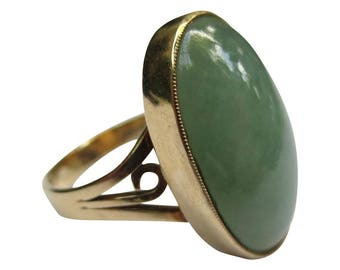 Vintage 14k Yellow Gold Jade Cabochon Ring