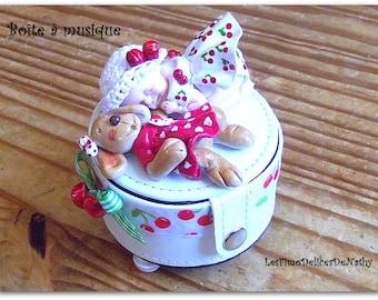 "Baby girl polymer clay fimo ""La petite cherry"" music box"