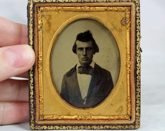 Antique 1850s Ambrotype Portait 1/9 Plate Glass Young ManTinted Cheeks Case VT