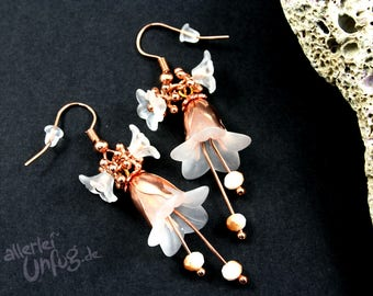 Earrings - white flowers, Lucite flowers, vintage, noble, filigree, glass beads, gold, rose gold, rose gold, white handmade,