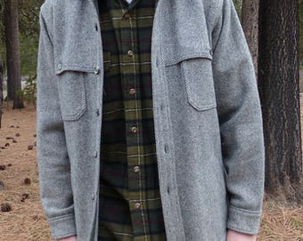 1960's Woolrich Gray Tweed Wool Caped Yoke Hunting Jacket Made in USA
