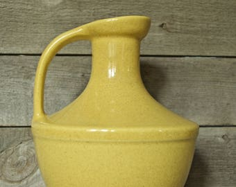 Pflatzgraff Pottery Mid Century Yellow Speckled Pitcher, Water Jug, Decanter, Water Pitcher, York, PA USA, Vintage, Dinner, Dining, Kitchen