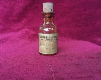 ancien flacon d'essence de parfum, Pierre Dhumez et Cie, Vallauris -extrait base feuille boldo