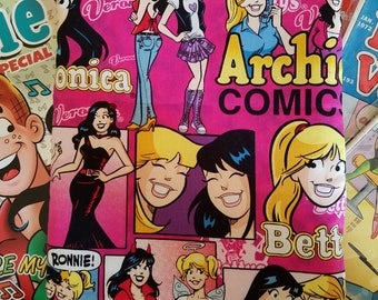 Betty and veronica book sleeve