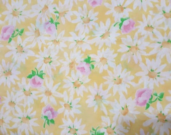 "DAISY KINGDOM 4855 'Daisies with Rosebuds' Yellow 2003 Cotton Fabric oop 2 YDS 23"" Length x 44"" Width"