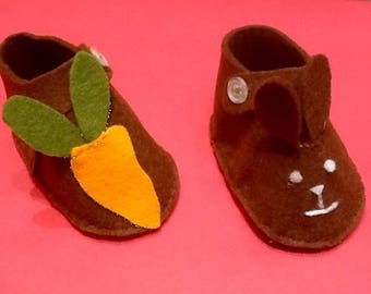 Felt baby booties form little brown Bunny and his carrot