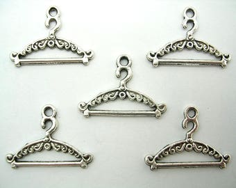 SET 5 METALS CHARMS: Hanger 23mm