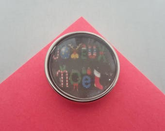 glass cabochon 18mm snap button Merry Christmas