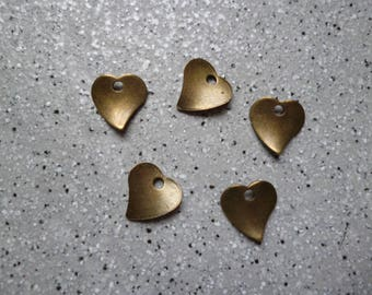 5 charm 13 mm bronze metal hearts
