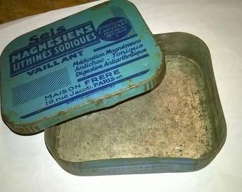 583) Tin box
