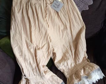 Soft and natural woven Nepalese cotton calf length women's bloomers.