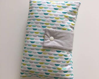 pouch tucks diapers and wipes