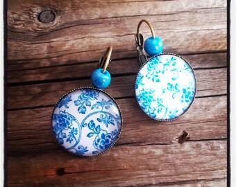 Earrings cabochon blue flower