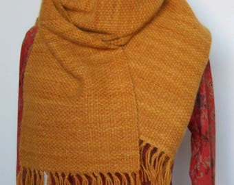 Woven wool scarf unisex ochre to the frame