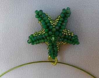 Necklace beadwoven green starfish