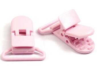 Clip / pink pacifier clip