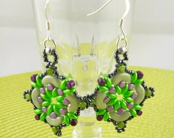 Earrings woven with glass beads