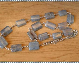 Square beads necklace long grain, medium gray interior clear