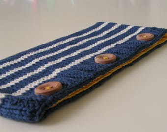 Clutch in cotton with 3 buttons - Navy Blue and white (yellow lining)