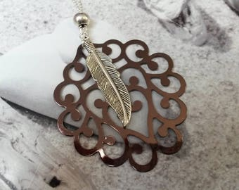 Necklace chocolate copper engraving and its silver feather