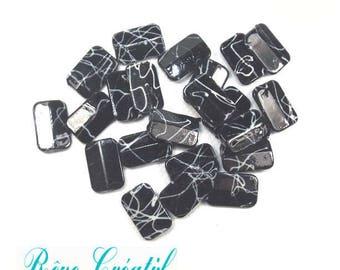 20pcs Perles Rectangulaires 18mm x 12mm en Acrylique Noir et Blanc de style Drawbench