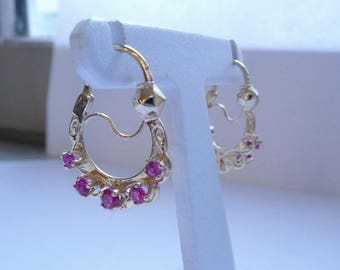 Savoy hoops in yellow gold and Ruby synthetic (19 mm diameter)