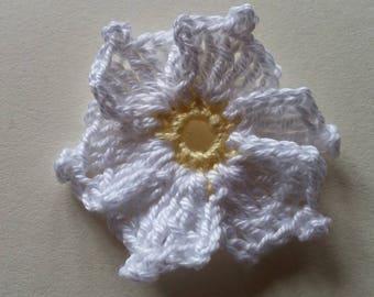 Cronus kousa yellow white flower crochet applique for sale individually