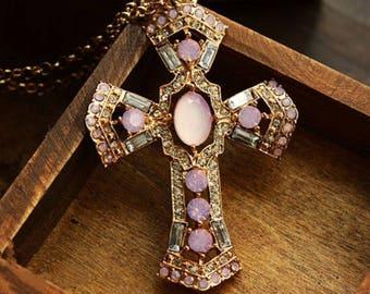 A Vintage cross pendant 1 Rose 8cms