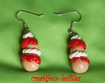 Fimo•.boucles •religieuse •rouge.•creme Strawberry earrings, cadeaux•bijoux•noel•kawaii