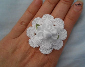 Romantic crochet with satin flower ring