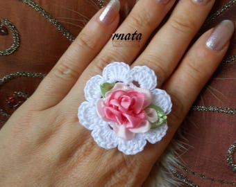 Shabby chic crochet ring