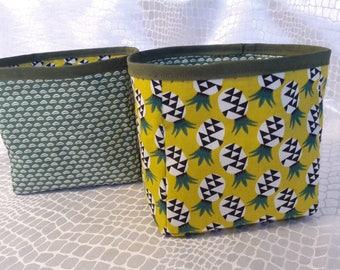 Baskets reversible set of 2 graphics and yellow and green pineapple plate