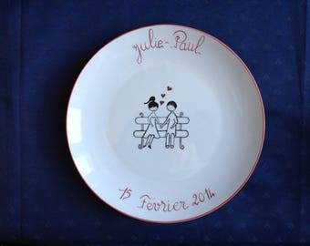 Plate personalized for engagement, wedding or for lovers!