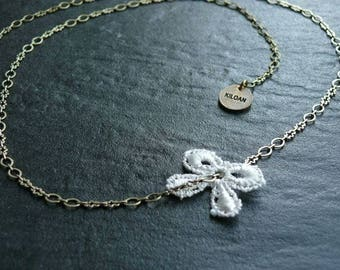 Necklace lace white bow PM