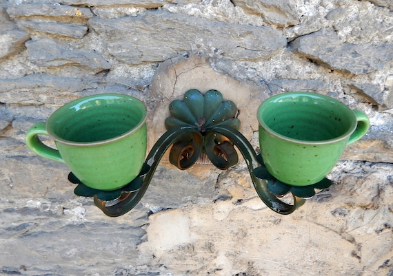 Vintage bird feeder applique 2 branches topped with 2 stoneware cups in green
