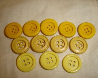 12 buttons vintage yellow / / 18 mm
