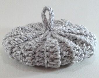 9 cm Heather grey and white cotton Tawashi