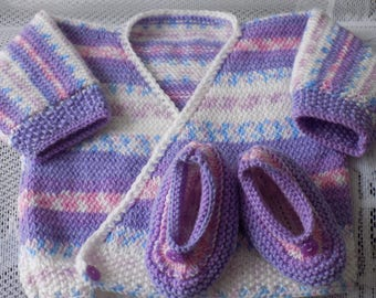 Top cross vest knitted baby booties shoes, multicoloured, size 3 months.