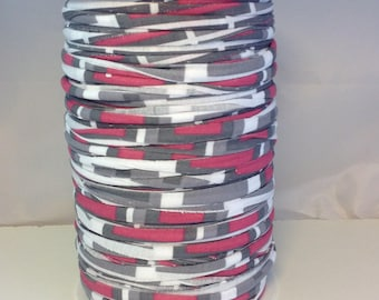 Large spool of Trapilho Jersey stretch striped Burgundy gray white