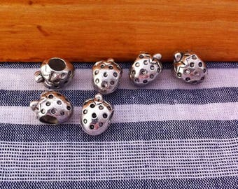 4 antique silver Strawberry shaped spacer beads