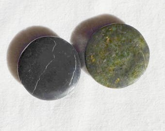 Set of 2 Mexico - o - pendants 1 round jade jade cabochons